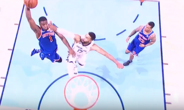 Knicks_Mudiay_dunk_Temple